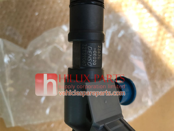 23670-0E020,Denso Fuel Injector For Hilux Revo,236700E020